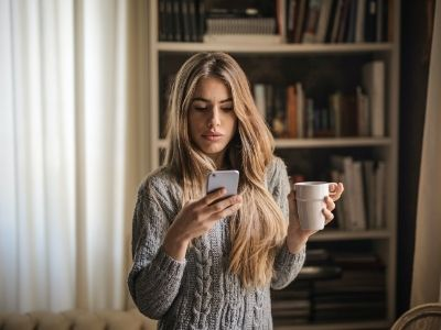 What To Do if He Keeps Texting But Doesn't Ask You Out
